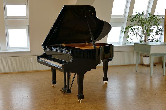 koncertni_klavir